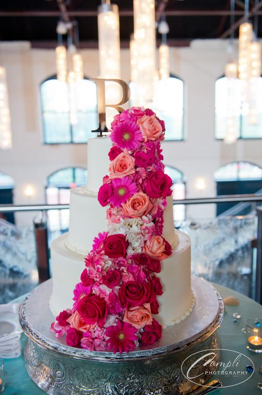 wedding cake pink flowers